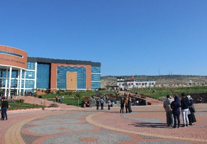 54 Günde 4 Kez Roketlerin Düştüğü Kilis'te Öğrenciler YGS'ye Girdi