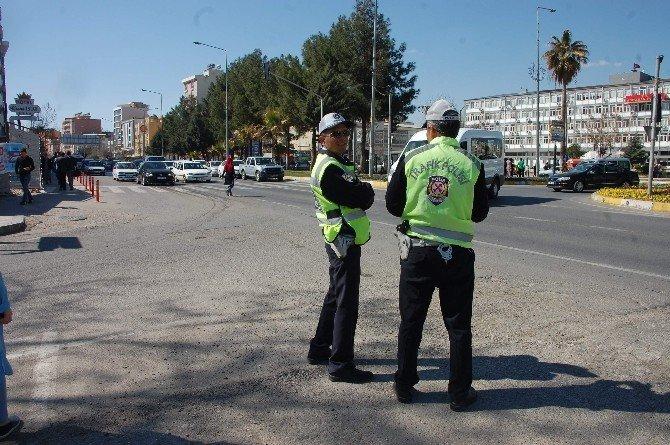 Polislerin Yoğun YGS Mesaisi