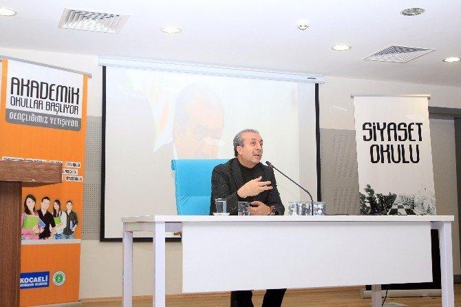 AK Parti Genel Başkan Yardımcısı Eker, Gençlere Siyaseti Anlattı