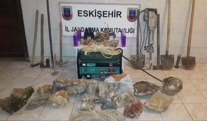 Jandarma Ekiplerinden Kaçak Kazı Operasyonu