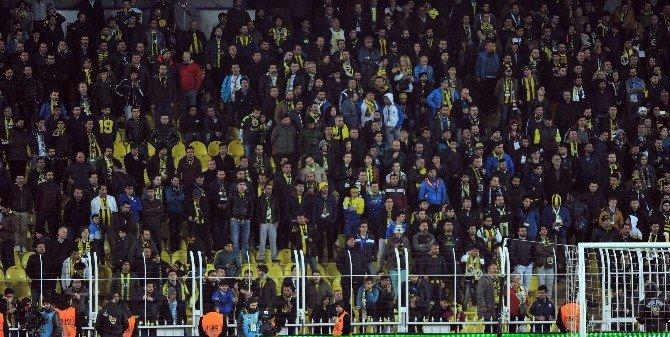 Fenerbahçe Maçında Taraftarlar Teröre Tepki Gösterdi