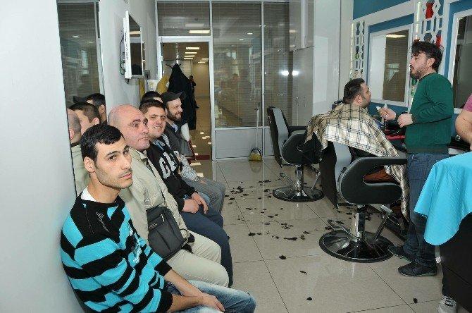 Gaziosmanpaşa'da Engelli Ve Yaşlılara Ücretsiz Berber Hizmeti