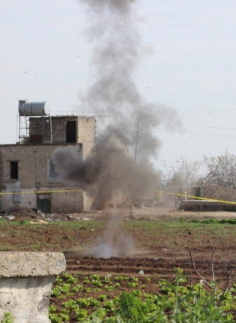 Kilis'e Düşen 3 Rokete Ait 20 Parça Bomba İmha Edildi