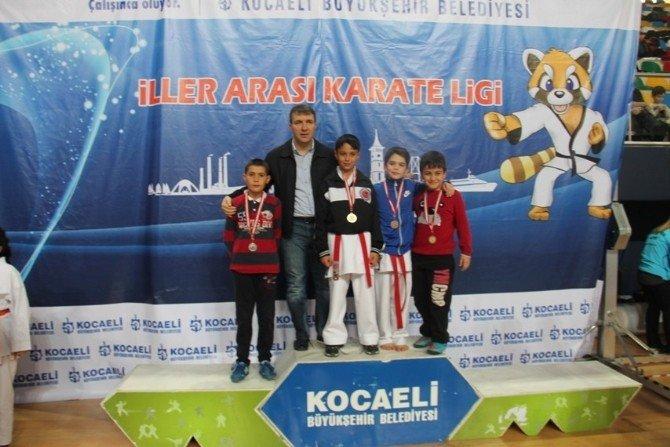 Büyükşehir Karate Ligi'nin Dördüncü Etabı Yapıldı