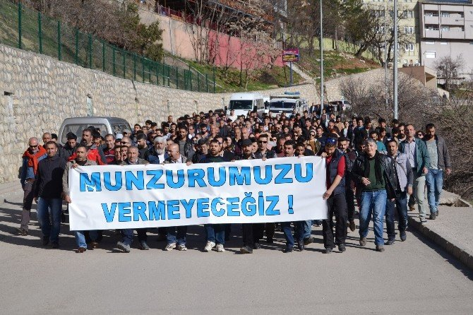 Tunceli'de Baraj Protestosu