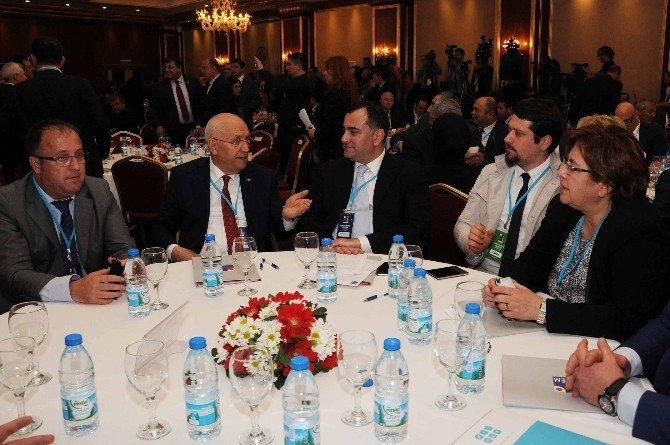 Mehmet Akif Ersoy, Yenimahalle'ye Ödül Getirdi