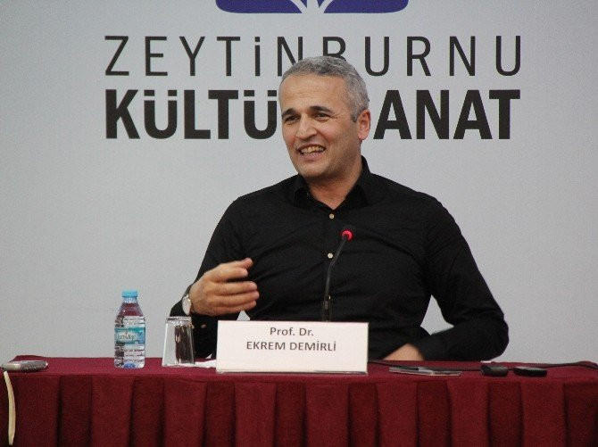 "Prof. Dr. Ekrem Demirli: ""Bizi İnsan Kılan Şey, Allah'a İman Etmektir"""
