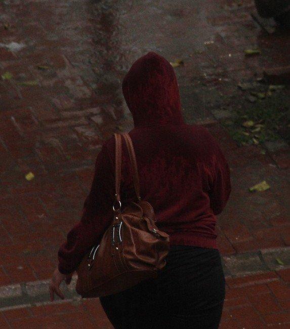 Adana Haftaya Yağmurla Başladı