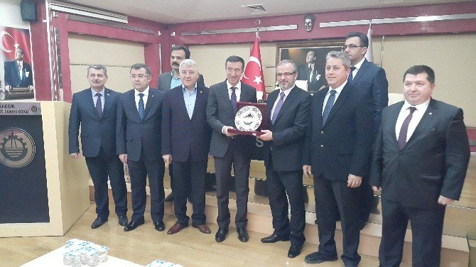 Bakan Yardımcısı Çelik DTSO'yu Ziyaret Etti