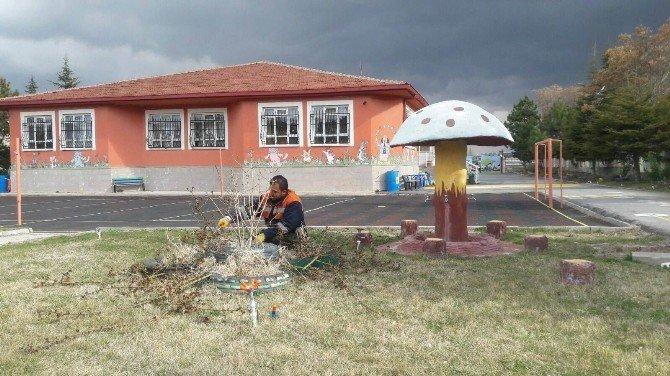 Beyşehir'de Park Ve Bahçelerde Bahar Çalışmaları Hızlandı