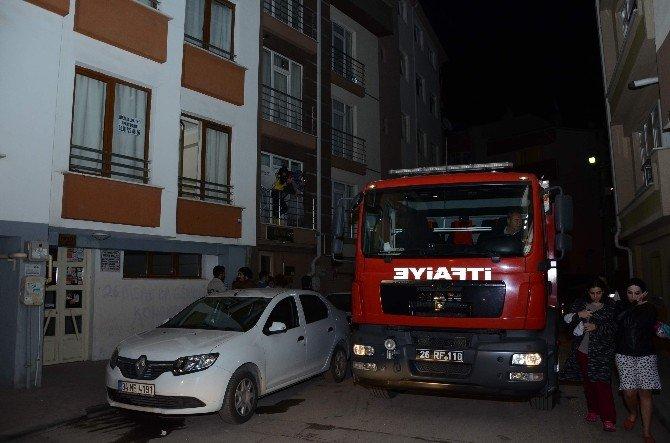 Eskişehir'de Kız Apartında Yangın