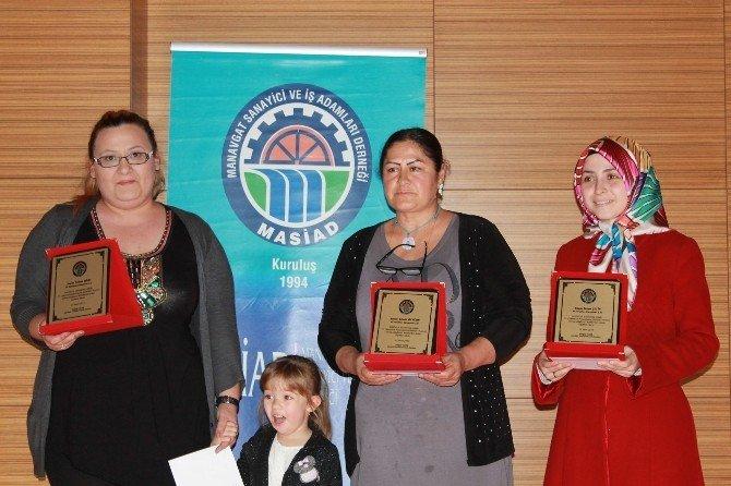 İş Kadınları Ödüllerini Aldı