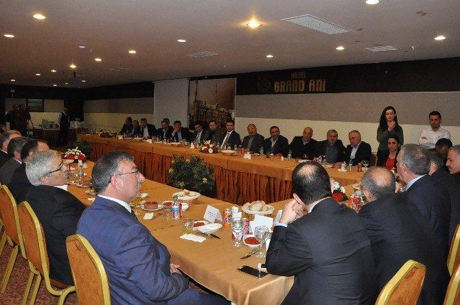 Kars Valisi Ve Milletvekilleri OSB Yöneticileriyle Buluştu