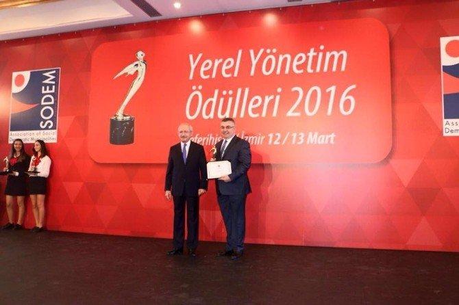 Kırklareli Belediyesi İzmir'den Ödülle Döndü