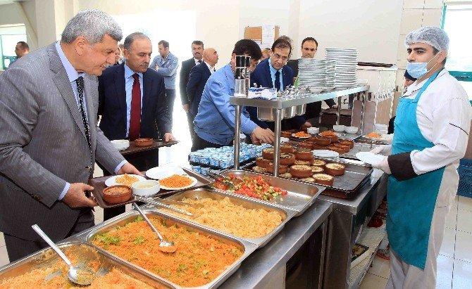 Başkan Karaosmanoğlu, Seoıl Türkiye Fabrikasını Gezdi