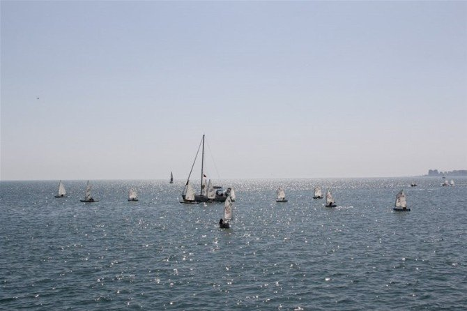 Yelkenler Çanakkale Zaferi İçin Açıldı