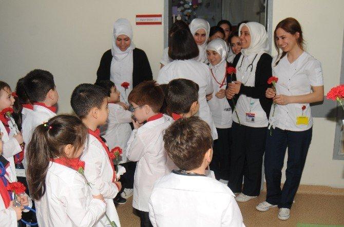 Minikler 'Tıp Bayramı'nı Kutladı