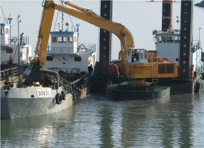 Ünye Limanı Temizlendi