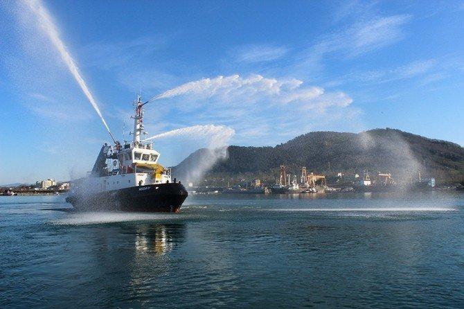 Ünye Limanı'na Yangın Söndürme Sistemli Römorkör