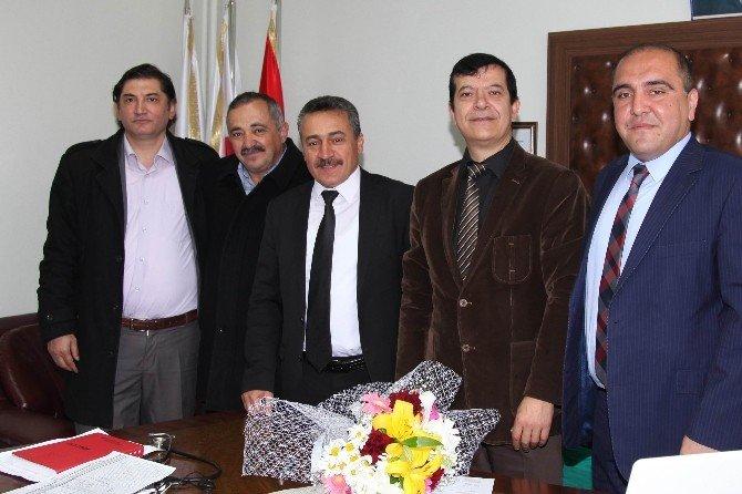 Başkan Tutal, Sağlık Çalışanlarının 14 Mart Tıp Bayramını Kutladı