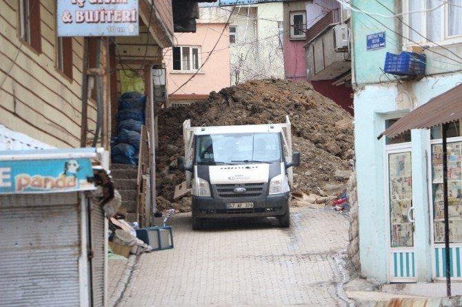 PKK'lılar Evini Terk Eden Vatandaşa Ateş Açtı: 1 Yaralı