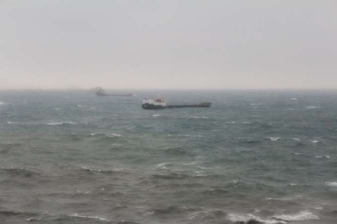 Zonguldak'ta Şiddetli Fırtına