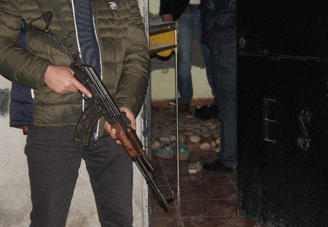 Teröre Silah Sağlayan Kaçakçılara Operasyon