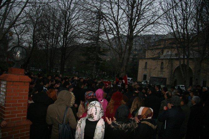 Ankara'daki Terör Saldırısı Afyonkarahisar'da Protesto Edildi