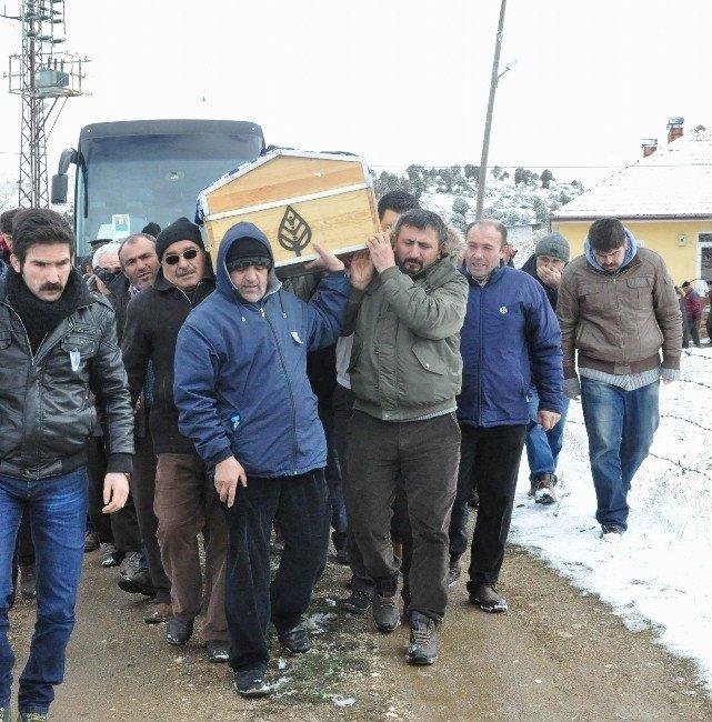 Nişan Dönüşü Otobüs Durağında Terör Saldırısına Yakalandılar
