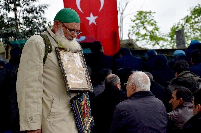 Ankara'daki Patlamada Hayatını Kaybeden Elif Gizem Akkaya Memleketi Giresun'da Toprağa Verildi