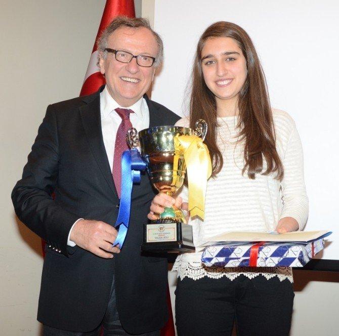 ESOGÜ'de 9'uncu Beyin Bilgi Yarışması Ödül Töreni