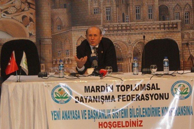Mardin'de 'Yeni Anayasa Ve Başkanlık Sistemi' Konferansı