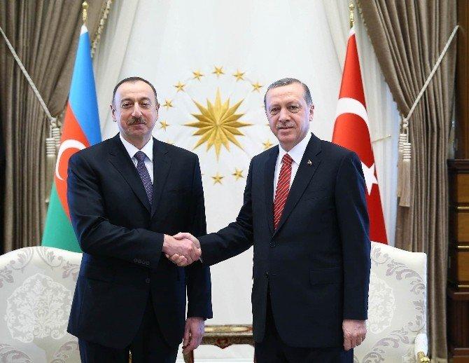 Cumhurbaşkanı Erdoğan, Azerbaycan Cumhurbaşkanı Aliyev İle Görüştü