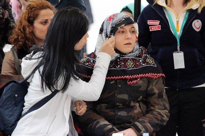 Eşi, Şehit Polisi Kamuflajıyla Uğurladı