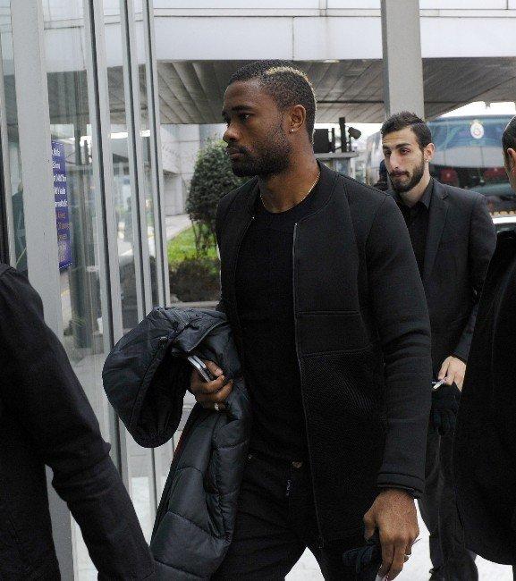 Galatasaray Kafilesi Umut Bulut İçin Kayseri'ye Hareket Etti