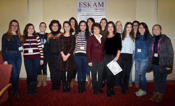 """ESOGÜ'de """"Girişimci Kadınlarız"""" Sertifika Programı"""