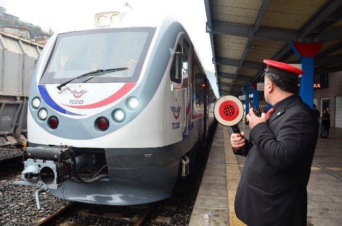 Modern Yolcu Tren Seferleri Yeniden Başladı