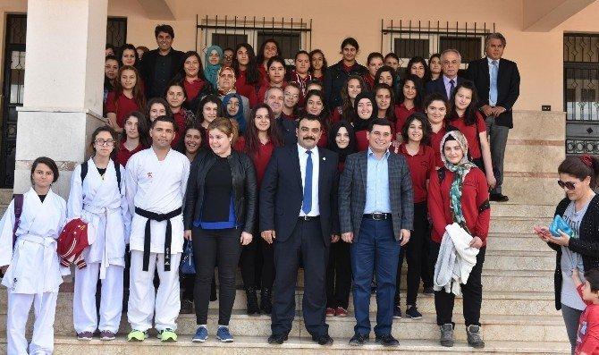 Başkan Tütüncü, Öğrencilerle Buluştu
