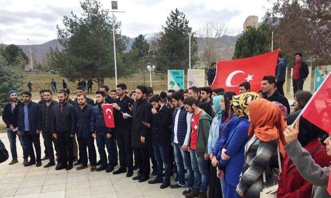 Malatya'da Üniversite Öğrencilerinden Teröre Sert Tepki: