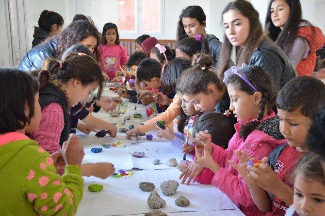 Köylü Çocuklar Sanatla Buluşuyor