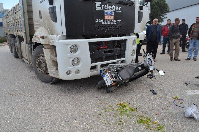 Tır'ın Çarptığı Motosiklet Sürücüsü Yoğun Bakımdan Çıkamadı