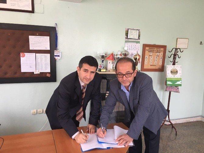 MÜSİAD Kilis Şubesi, Ekrem Çetin Özel Mesleki Eğitim Merkezi'yle Kardeş Kurum Projesi Protokolünü İmzaladı