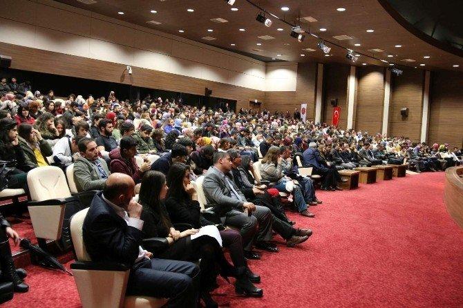 Nehü'de 'Bir Dava Adamı Mehmet Akif Ersoy' Konulu Panel Düzenlendi
