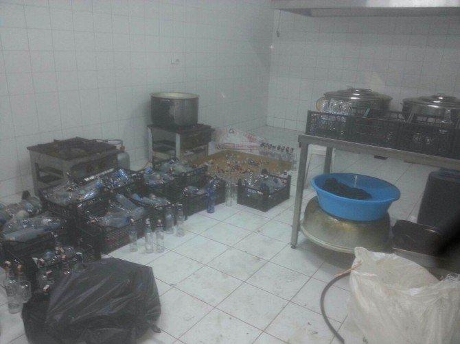 Antalya'da Kaçak İçki Operasyonu