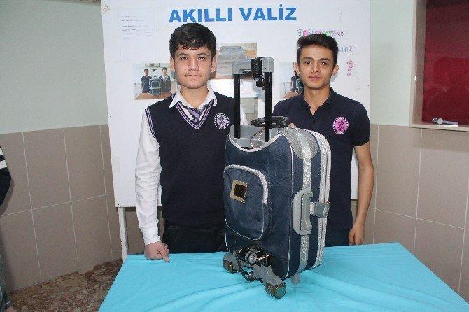 Liseli Öğrenciler Projelerini Sergiledi