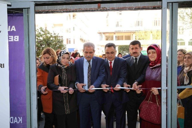 """Şanlıurfa'da """"İpek Yolunda El Sanatları"""" Sergisi Açıldı"""