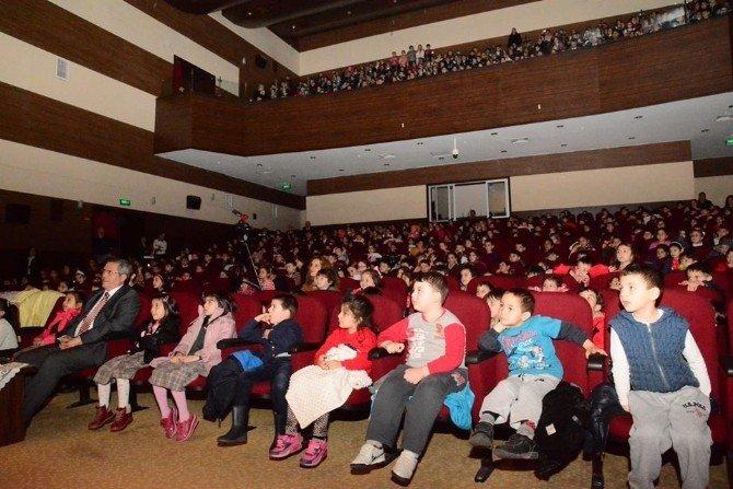 Kütahya'da 'Doğa Hepimizin' İsimli Tiyatro Gösterimi