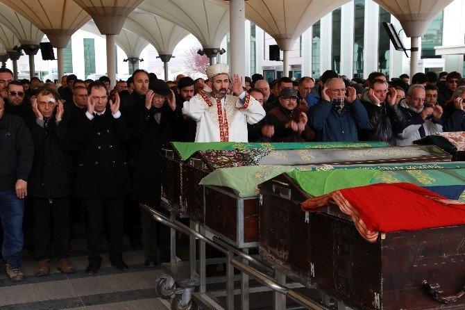 Terör Saldırısında Hayatını Kaybeden Sevinç Gökay Son Yolculuğuna Uğurlandı