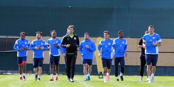 Antalyaspor'da Beşiktaş Maçı Hazırlıkları Başladı