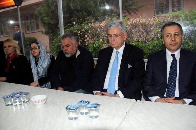 Bakan Bozkır'dan Ozancan'ın Ailesine Taziye Ziyareti